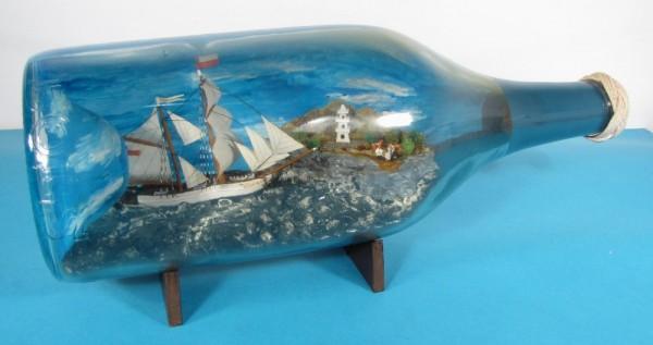 Buddelschiff Brigantine VIVIAN mit Landschaft und Pagode 3 Liter