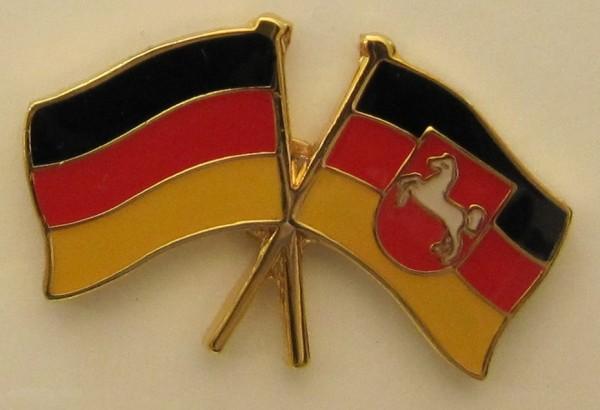 Niedersachsen / Deutschland Freundschafts Pin Anstecker Flagge Fahne Nationalflagge
