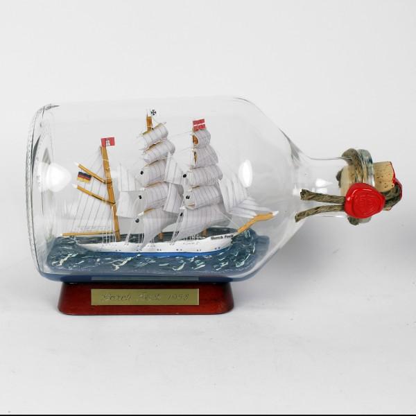 Gorch Fock 1 Liter Apothekerflasche Buddelschiff Flaschenschiff