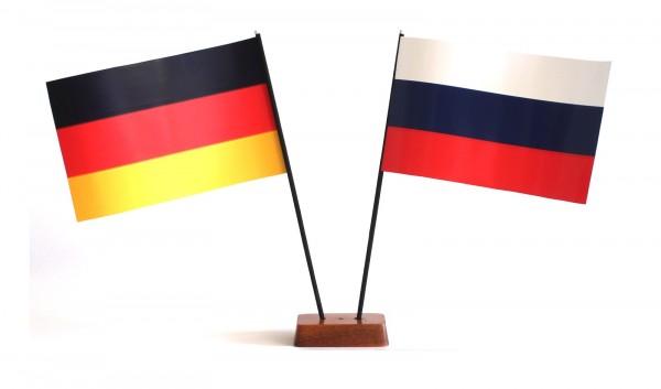Mini Tischflagge Russland 9x14 cm Höhe 20 cm mit Gratis-Bonusflagge und Holzsockel Tischfähnchen