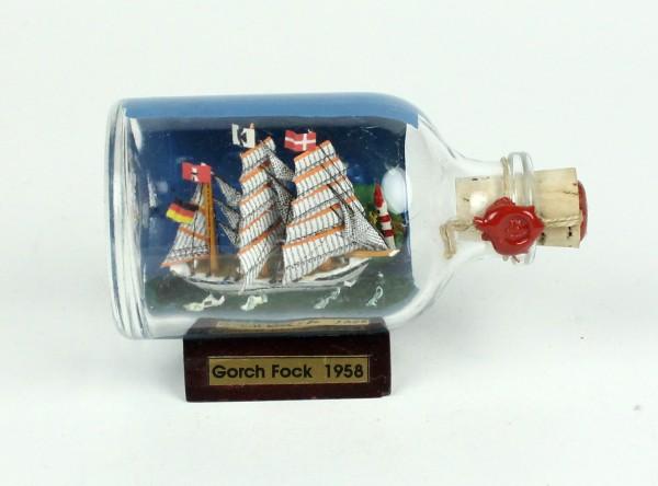 GORCH FOCK Schulschiff der Bundesmarine mit Landschaft und blauen Himmel Mini Buddelschiff 50 ml ca.