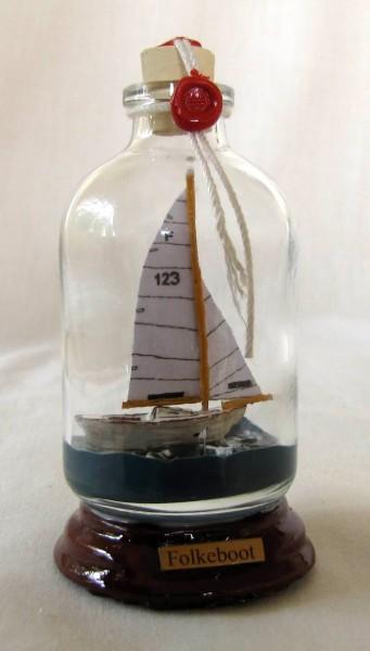 Folkeboot Mini Buddelschiff 50 ml ca. 7,2 x 4,5 cm Flaschenschiff