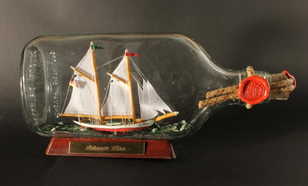Schoner Lisa Buddelschiff Flachmann 0,375 Liter ca. 21x9 cm