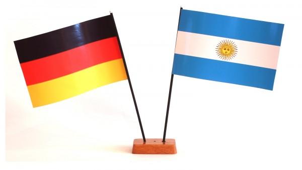 Mini Tischflagge Argentinien 9x14 cm Höhe 20 cm mit Gratis-Bonusflagge und Holzsockel Tischfähnchen