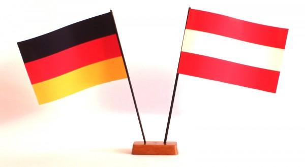 Mini Tischflagge Österreich 9x14 cm Höhe 20 cm mit Gratis-Bonusflagge und Holzsockel Tischfähnchen