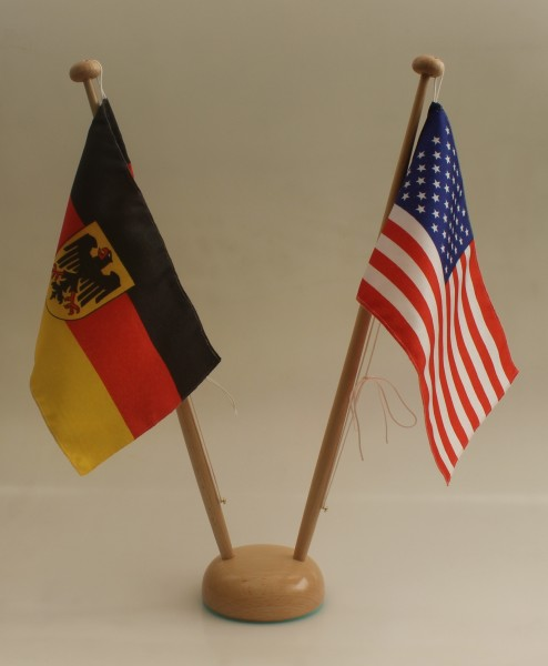 Tischflaggenständer Holz 2-fach Ständer für 2 Tischflaggen 15x25 cm Höhe 42 cm Tischfahne Tischf