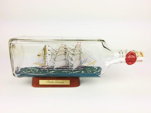 Seute Deern eckige Ginflasche 0,7 Liter Buddelschiff Museumsqualität