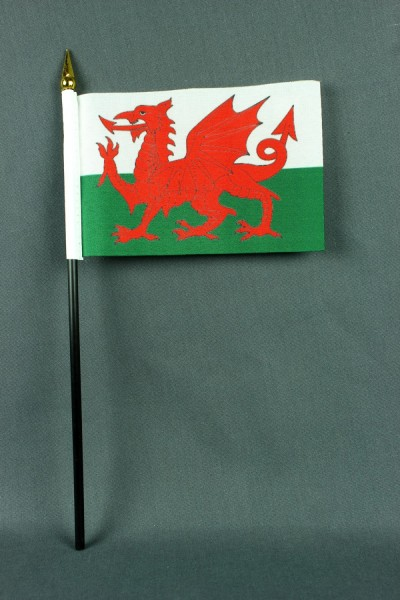 Kleine Tischflagge Wales 10x15 cm optional mit Tischfähnchenständer