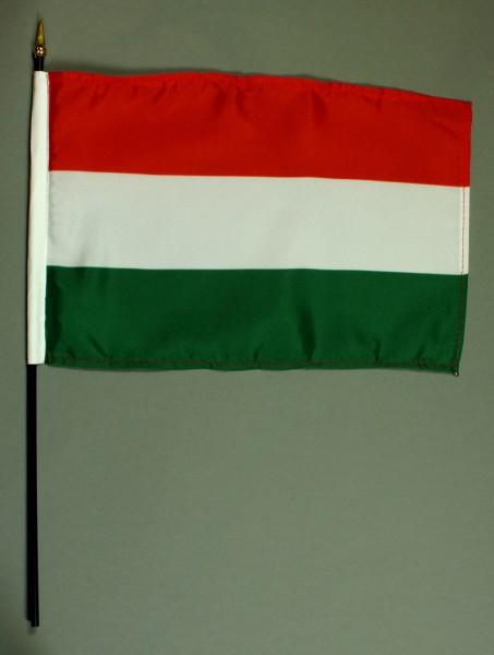 Tischflagge Ungarn 20x30 cm optional mit Tischflaggenständer aus Mahagoni Holz