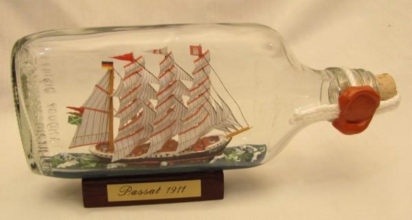 Passat Buddelschiff Flachmann 0,2 Liter ca. 19x9 cm Flaschenschiff