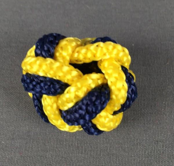 Makrameeknoten dunkelblau / gelb für Halstuch