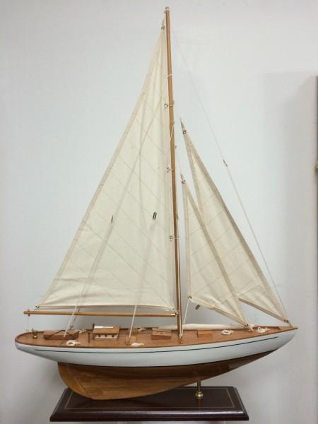 Schiffsmodell Segelyacht (weiß/natur) aus Holz 80x60 cm Modellschiff Schiffsmodelle