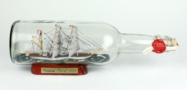 Gorch Fock 700 ml runde Flasche Buddelschiff Museumsqualität