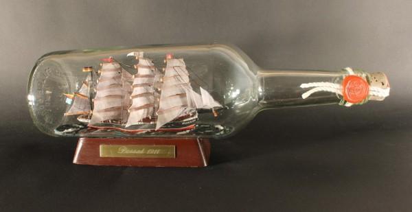 Passat 700 ml runde Flasche Buddelschiff Museumsqualität