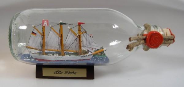 Alte Liebe Schoner mit Landschaft runde Flasche 0,3 Liter Buddelschiff Flaschenschiff