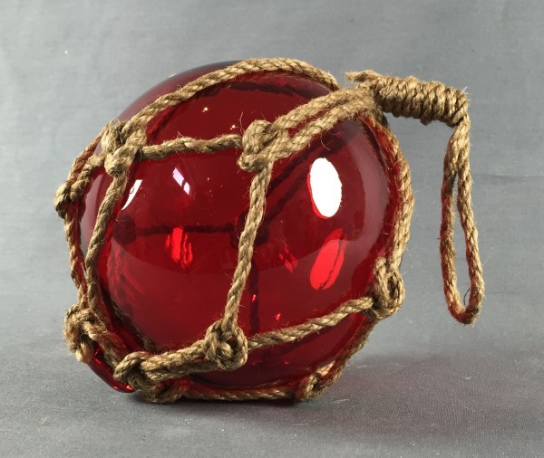 Deko Fischerkugel aus Glas rot 13 cm Tauwerk Netz