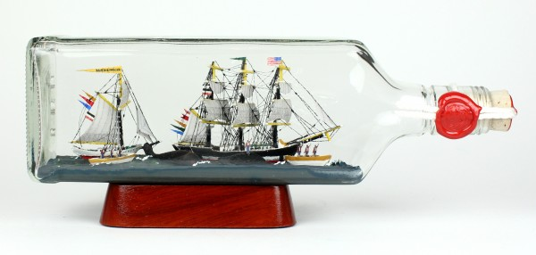 Moby Dick Walfang 700 ml eckige Flasche Buddelschiff Museumsqualität