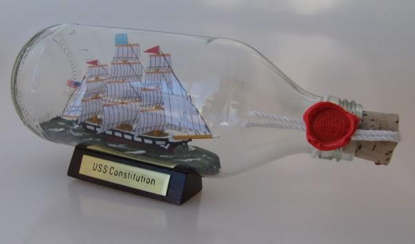 USS Constitution runde Flasche 0,3 Liter Buddelschiff Flaschenschiff