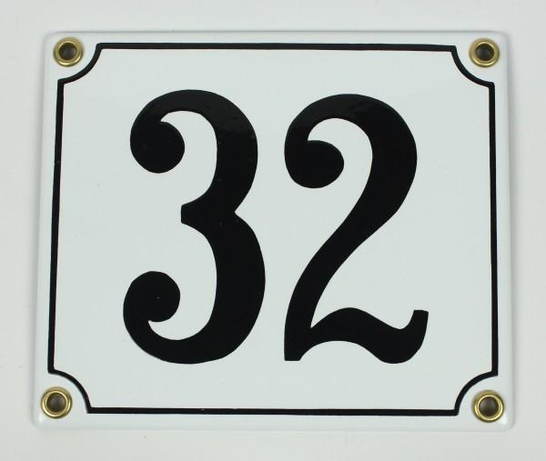 32 weiß Clarendon 12x14 cm sofort lieferbar Schild Emaille Hausnummer