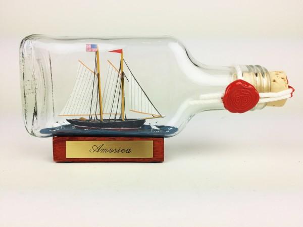 America Buddelschiff Flachmann 0,1 Liter ca. 14x7 cm Schoner Flaschenschiff