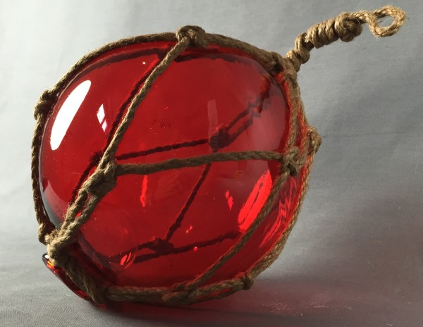 Deko Fischerkugel aus Glas rot 17 cm Tauwerk Netz