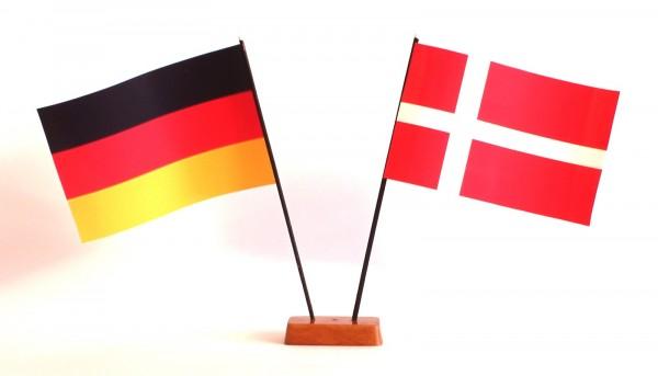 Mini Tischflagge Dänemark 9x14 cm Höhe 20 cm mit Gratis-Bonusflagge und Holzsockel Tischfähnchen
