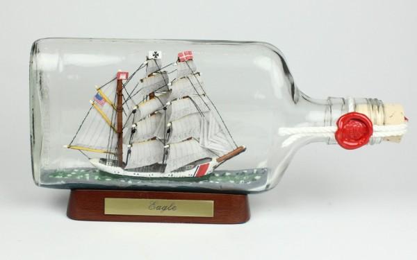 Eagle US Coastguard Buddelschiff Flachmann 0,375 Liter ca. 21x9 cm Flaschenschiff