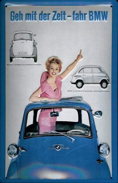 Blechschild BMW Isetta Schiebedach Frau Auto Oldtimer Nostalgieschild retro Schild Autowerbung