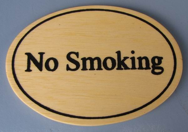 Ovales Holz - Türschild No Smoking 7x10 cm helles Holzschild