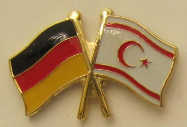 Nord Zypern / Deutschland Freundschafts Pin Anstecker Flagge Fahne Nationalflagge