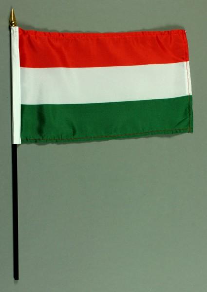Tischflagge Ungarn 15x25 cm BASIC optional mit Tischflaggenständer