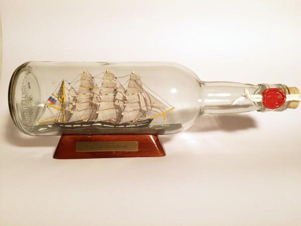 Kruzenstern 700 ml runde Flasche Buddelschiff Museumsqualität