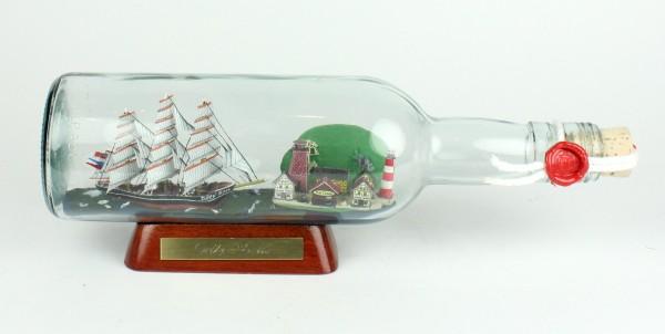 Cutty Sark 500 ml runde Flasche Buddelschiff mit Landschaft