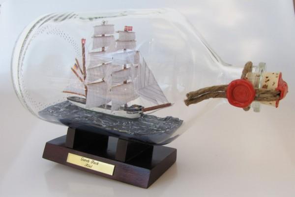 Gorch Fock 2 Liter Apothekerflasche Buddelschiff Flaschenschiff