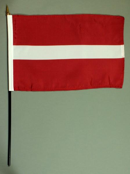 Tischflagge Lettland 20x30 cm mit Tischflaggenständer aus Mahagoni Holz