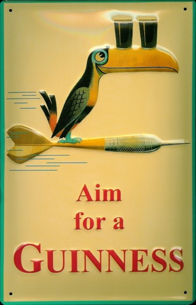 Blechschild Guinness Aim for a Guinness Dart Toucan Vogel Schnabel Dartpfeil Schild