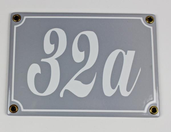 32a hellgrau Schreibschrift 17x12 cm sofort lieferbar 3-stellig Schild Emaille Hausnummer