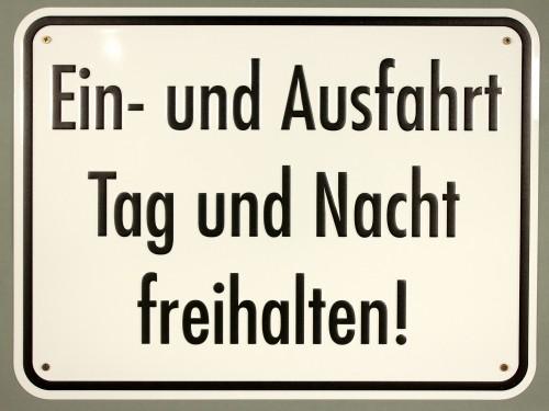 Aluminium Schild Ein Und Ausfahrt Tag Und Nacht Freihalten 300x400