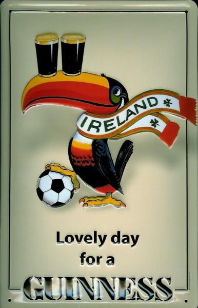 Blechschild Guinness Bier Lovely Day for a Guinness Ireland Fussball Toucan Schild