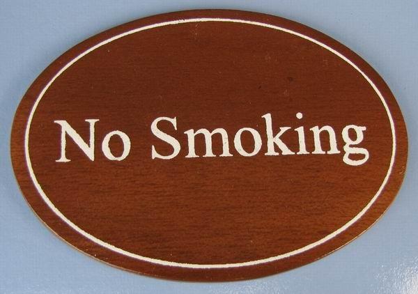 Ovales Holz - Türschild No Smoking 7x10 cm dunkles Holzschild