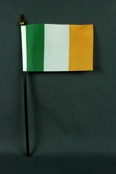 Kleine Tischflagge Irland 10x15 cm optional mit Tischfähnchenständer